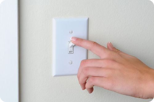 Energy efficient light switch