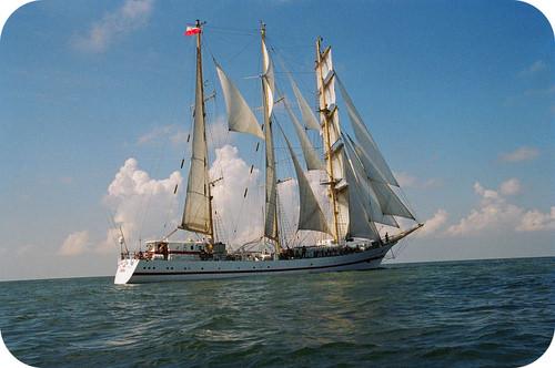 Ships used fathoms to measure depth