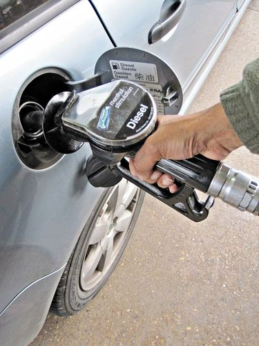 Fueling a car using gas