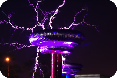 Tesla coil producing electrical arcs