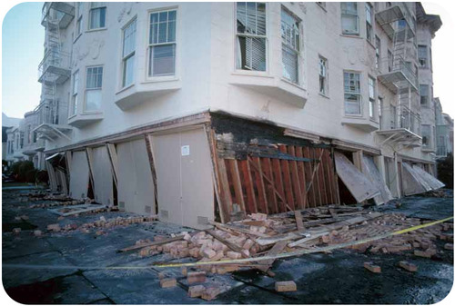 Building collapsing after the Loma Prieta Earthquake