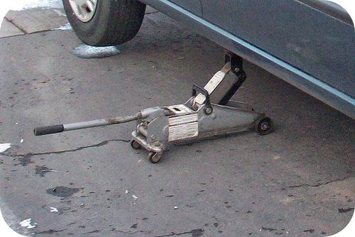 Hydraulic car jack