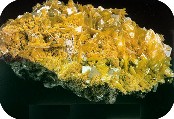 An example of a tetragonal crystal is wulfenite