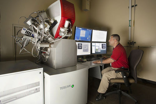 Scanning Electron Microscope (SEM) machine in cleanroom