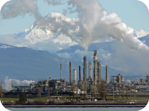 Picture of an oil refinery, which separates crude oil